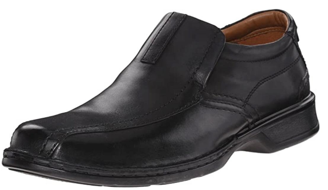 Best Shoes For Teachers 1) Clarks Men